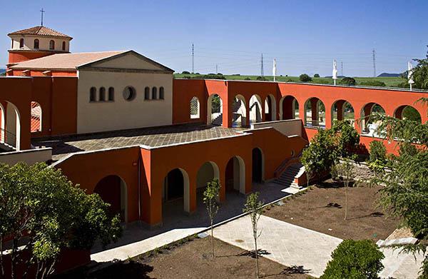 Jardins del Parc i entrada de la capella 2