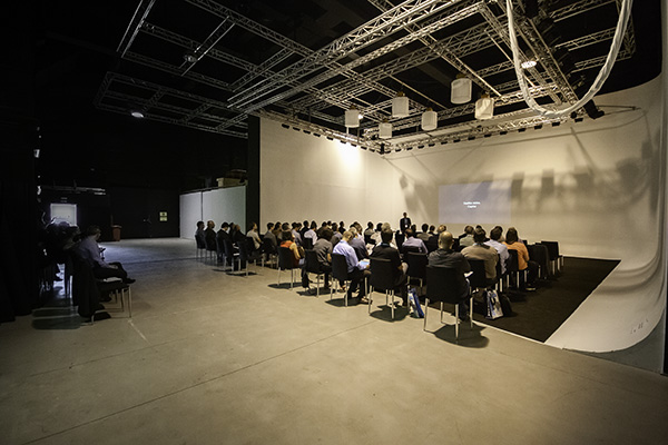 Conferència al plató 4, visió general de l'espai