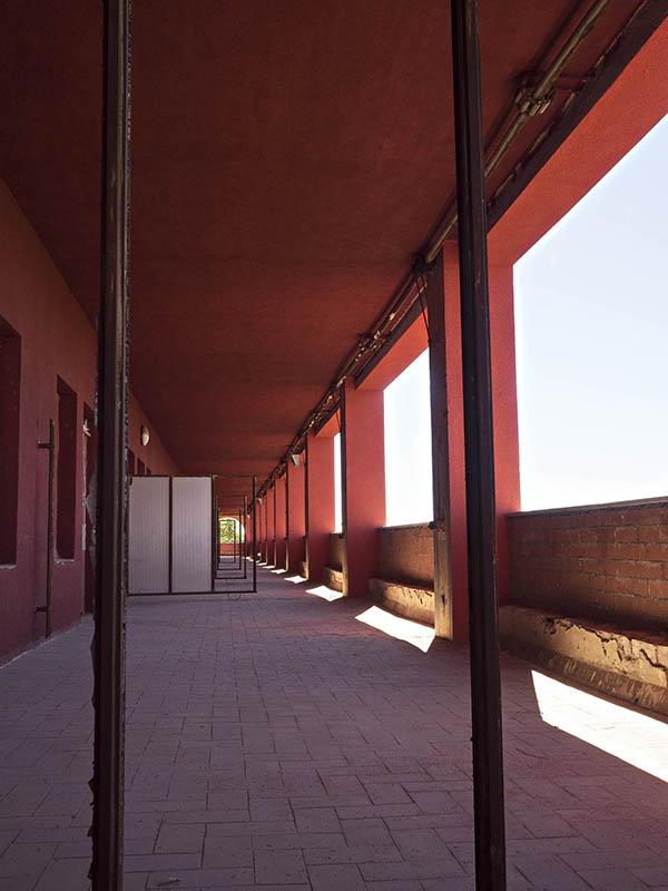 Vista del porxo exterior de la Planta 1, Hospital del Tòrax