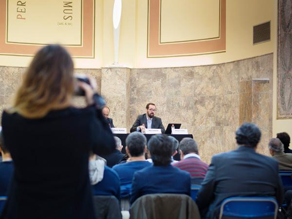 Imatge d'una conferència als espais de la capella